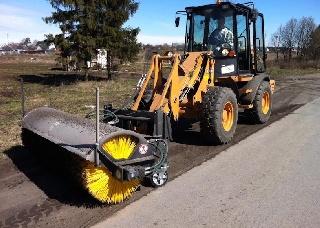 Maturator stradal - Perie de asfalt pentru buldoexcavatoare